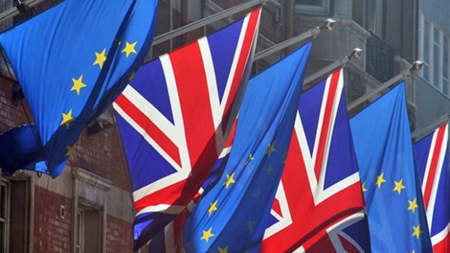 İngiltere'den 'anlaşmasız ayrılık' sinyali