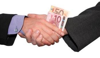 Euro kritik toplantı öncesi geriledi