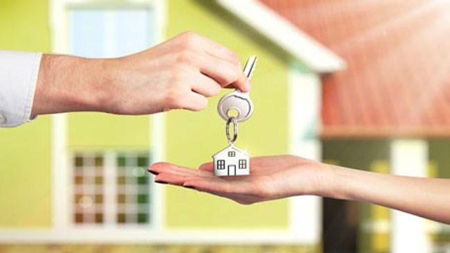 Yeni kredi fırsatları, eskiden alınmış kredilerde borç transferi, yani refinansman düzenlemesine sebebiyet veriyor. Peki, refinansman nedir?