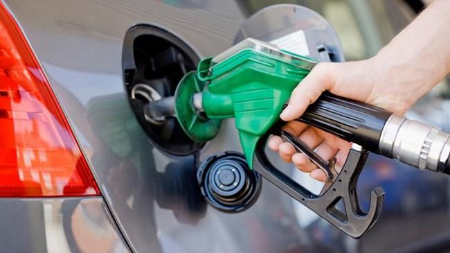 Akaryakıt dağıtım şirketleri, gece yarısından itibaren geçerli olmak üzere benzinin litresine 6 kuruş zam uygulayacak