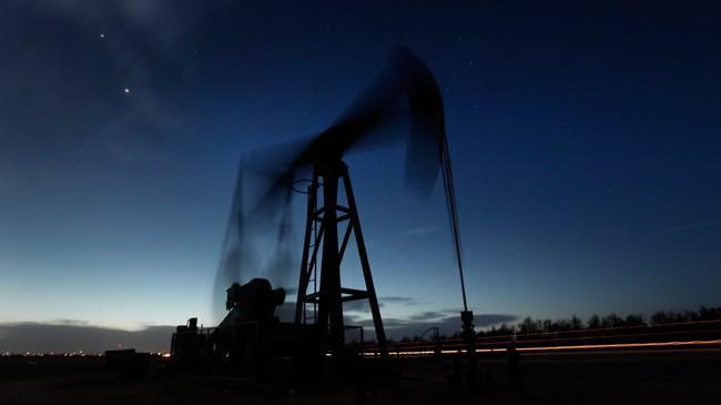 Petrol fiyatları uzun bir aradan sonra yeniden 50 doların altını gördü