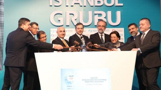 """Halk Gayrimenkul Yatırım Ortaklığı'nın (Halk GYO) 100 milyon TL nominal değerli kira sertifikası ihracı için Borsa İstanbul'da gong töreni düzenlendi. Halkbank Genel Müdürü Osman Arslan, törende yaptığı konuşmada """"Türkiye'nin en büyük 5 bankasından biriyiz. Bu performansımızı, 11 bağlı ortaklığımızın başarılı çalışmalarıyla finans sektörünün her alanına yaymayı hedefliyoruz. Türkiye'nin en büyük finansal süper marketlerinden biriyiz"""" dedi."""