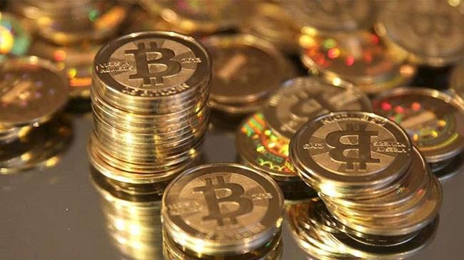 Kripto para birimleri piyasalarının en yüksek hacimli birimi Bitcoin fiyatına yönelik yapılan yeni öngörülerle piyasadaki artış devam ederken, 2019 Kasım ayından bu yana ilk kez Bitcoin son 24 saatte 7 bin 919 dolarla 7 bin 900 doların üzerine, piyasa hacmi de 210 milyar 976 milyon dolarla 210 milyar doların üzerine çıktı.