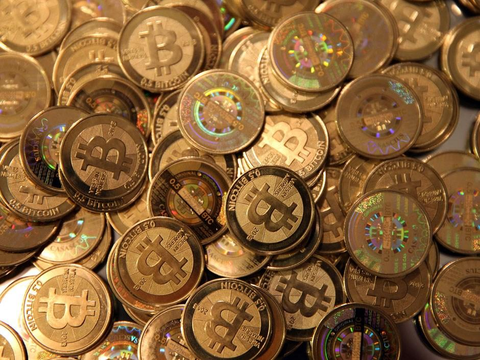 Çin Merkez Bankası, dijital para pazarına en sert düzenlemeleri getirerek, dijital para halka arzı tekliflerinin yasadışı olduğunu ve ilgili toplayıcı faaliyetlerin derhal durdurulacağını açıkladı. Bitcoin, Çin'in kararı ardından sert geriledi. Bitcoin'deki 3 günlük kayıp yüzde 13'ü buldu. Dijital para birimi gün içi veriler dikkate alındığında yaklaşık 670 dolar gerileme kaydetti.