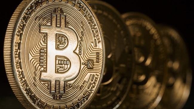 Bitcoin'in değeri 2.235 dolara çıkarak tarihindeki en yüksek seviyeye ulaştı.