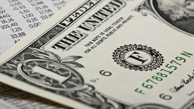 ABD istihdam verisinin ardından dalgalanan dolar 3 TL nin altına geriledi.