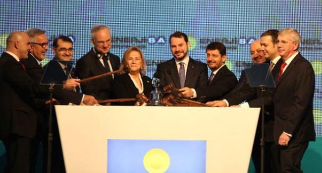 Elektrik dağıtım ve perakendeciliğinde Türkiye'nin lider şirketi Enerjisa Enerji, 8 Şubat 2018 tarihi itibariyle Borsa İstanbul'da işlem görmeye başladı. Yerli ve yabancı yatırımcıların yoğun ilgi gösterdiği halka arzla hisselerinin yüzde 20'si halka açılan Enerjisa Enerji, düzenlenen gong töreninin ardından ENJSA kodu ile işlem görmeye başladı.
