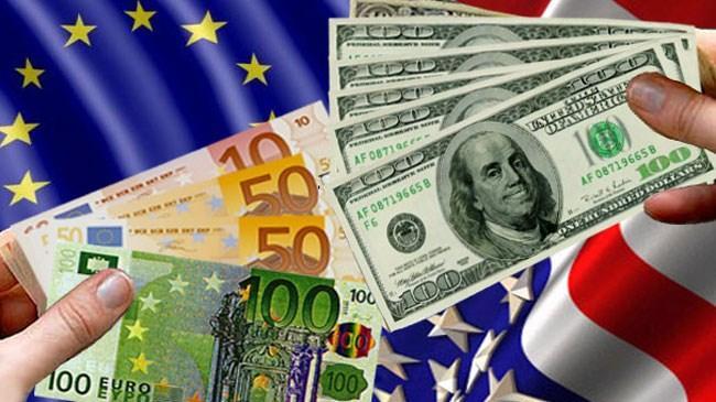Ukrayna'daki gerilimin dolara talebi artırması ile 1 yıla yakın bir sürenin en yüksek seviyesine ulaştı