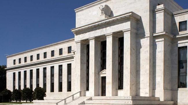 """Williams, """"Fed ekonomi ile ilgili görüşlerini piyasaların nihai bir faiz artırımı sürpriz olarak algılamayacağı şekilde ifade etmeli"""" diye konuştu."""