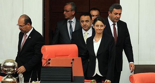CHP nin olağanüstü toplantı çağrısı üzerine CHP li Meclis Başkanvekili Şafak Pavey in başkanlığında toplandı