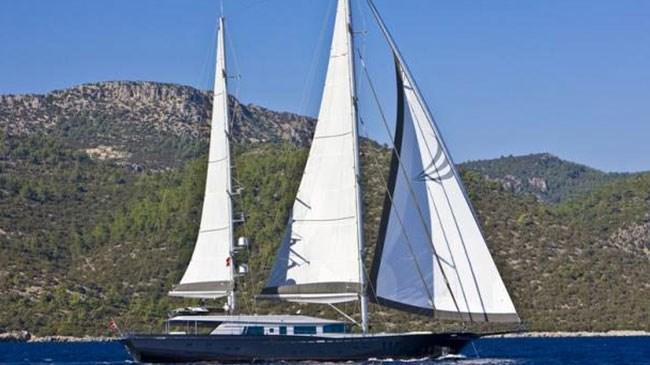 Rıza Sarraf'ın 7 milyon Euro luk küçük sarayı andıran teknesi 45.78 metre uzunluğunda, 8.30 metre genişliğinde