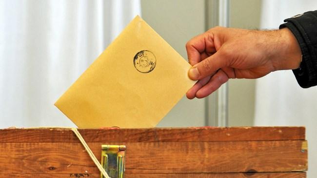 1 Kasım da yapılacak genel seçimlerde oy kullanacak seçmenlerin adres bilgilerini güncellemesi için tanınan süre 10 Eylül saat 17:00 a kadar uzatıldı.