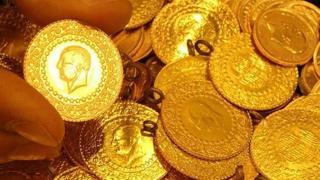 Altının gram fiyatı, güne düşüşle başlamasının ardından 416 liradan işlem görüyor. Çeyrek altın 678 lira, Cumhuriyet altını 2.760 liradan satılıyor.