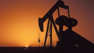 Brent petrolün varili uluslararası piyasalarda 63,05 dolardan işlem görüyor.