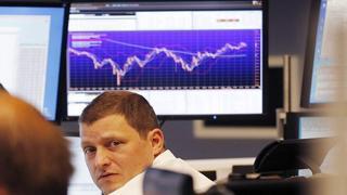 Küresel piyasalarda, enflasyon baskısı sonrası para politikasında sıkılaştırıcı adımların fiyatlanması piyasalar için risk unsuru oluştururken, dünkü sözle yönlendirmeleri ile faiz artırım beklentilerini artıran İngiltere Merkez Bankası (BoE) Başkanı Andrew Bailey in bugünkü açıklamaları yatırımcıların odağına yerleşti.