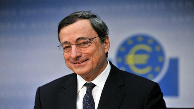 Draghi'den yeni parasal gevşeme sinyali | Ekonomi Haberleri