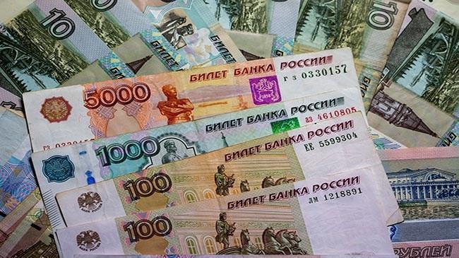 Rus rublesi 3 ayın dibini gördü! | Döviz Haberleri