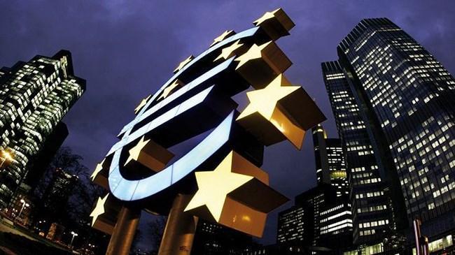 Avrupa Merkez Bankası'ndan 'zayıf küresel ticaret' uyarısı | Ekonomi Haberleri