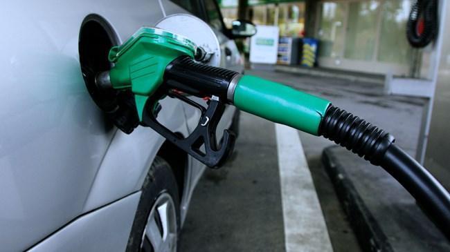 Benzin fiyatlarına indirim geldi | Ekonomi Haberleri