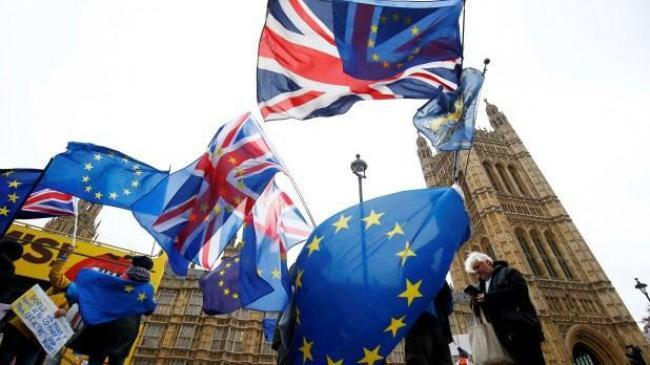 İngiliz muhalefetinde toplu istifa   Politika Haberleri