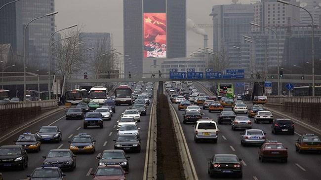 Çin'de otomobil satışlarında 6 yılın en sert düşüşü | Ekonomi Haberleri