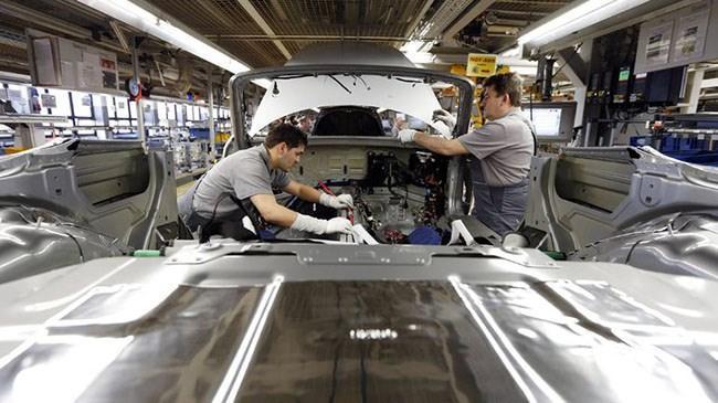 Euro Bölgesi'nde imalat sanayi yavaşladı | Ekonomi Haberleri