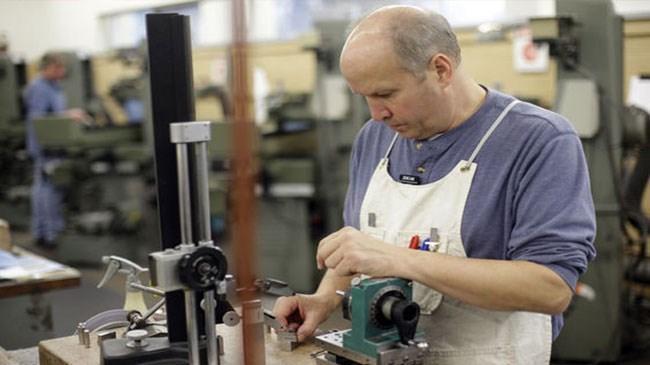 Almanya imalat sanayi istihdamında 10 yılın en sert düşüşü | Ekonomi Haberleri
