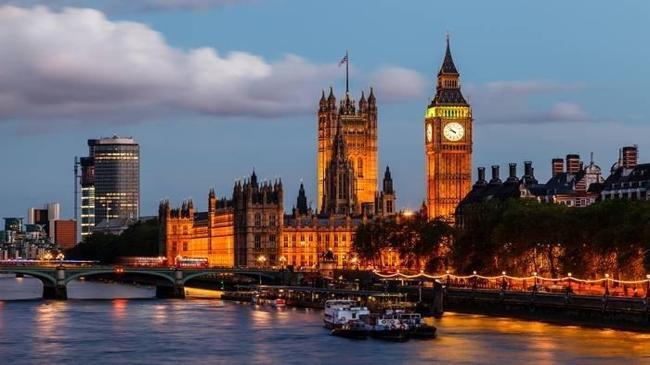 İngiltere'de 74 yılın en yüksek borçlanması | Ekonomi Haberleri