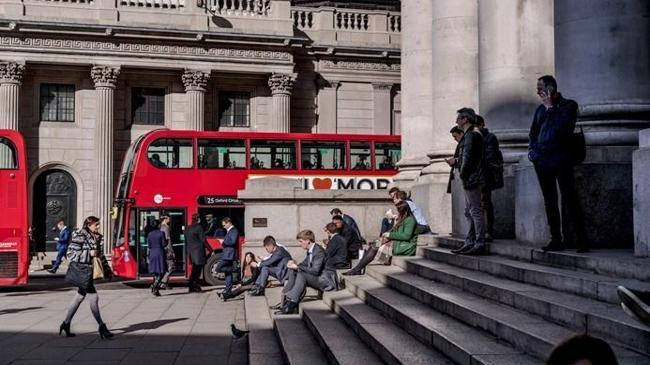 İngiltere'de işsizlik geriledi | Ekonomi Haberleri