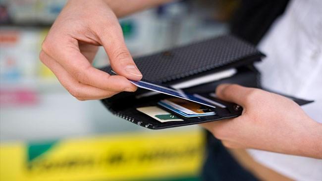 Kredi kartı borcundan takibe alınanların sayısı arttı | Ekonomi Haberleri