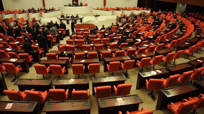 Meclis'in gündeminde 'yeniden yapılandırma' var | Politika Haberleri