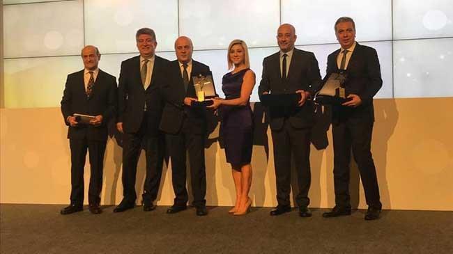Hürriyet Yazarı Uğur Gürses'e büyük ödül | Genel Haberler